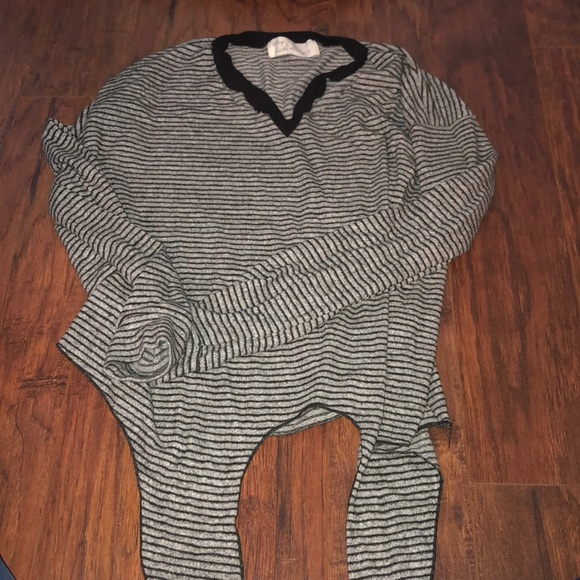 Vintage Havana Girls Short Sleeve Cropped Hoodie and Lace V-Neck Shirt Top